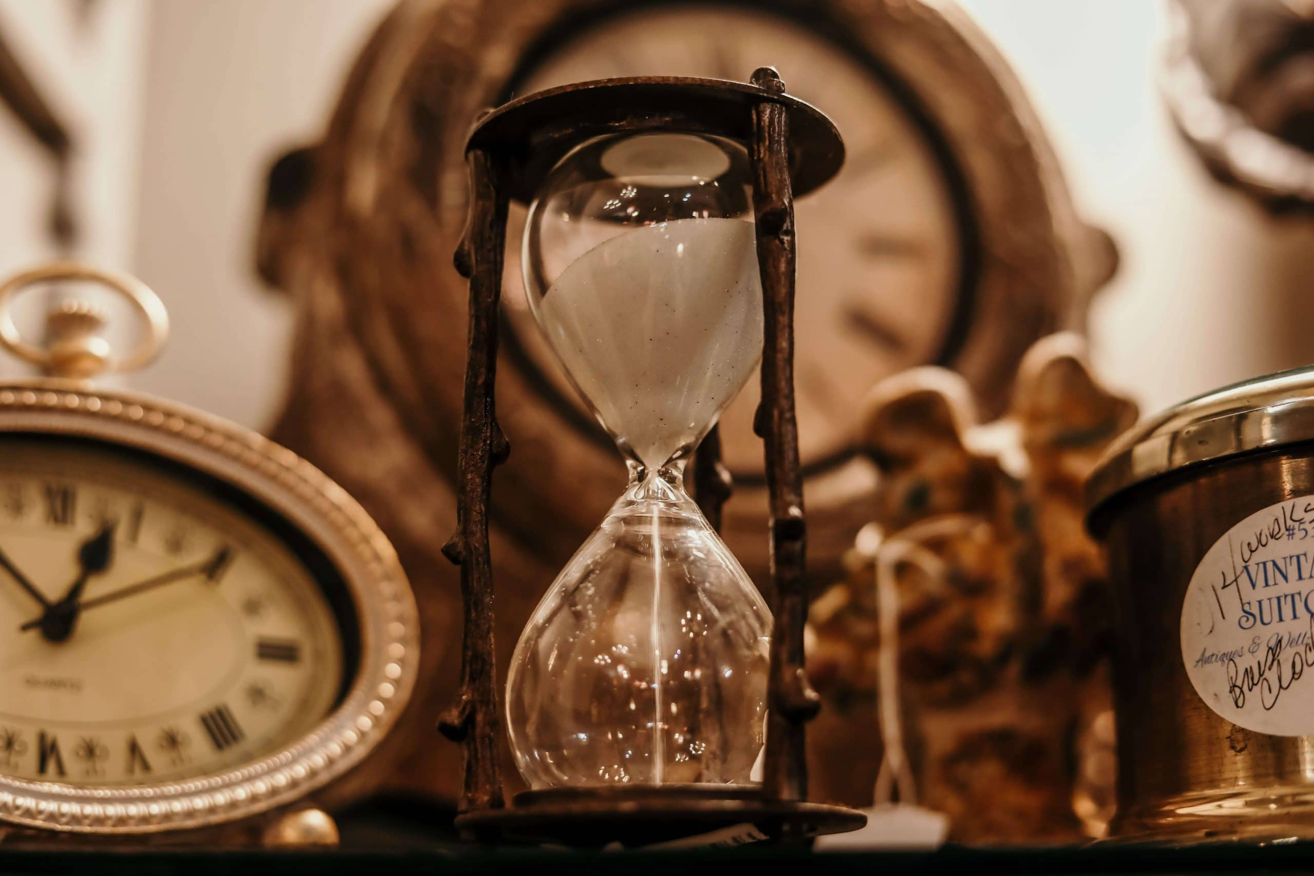 Aenigma Escape Room in Naples - Articulate Your Thoughts in Time